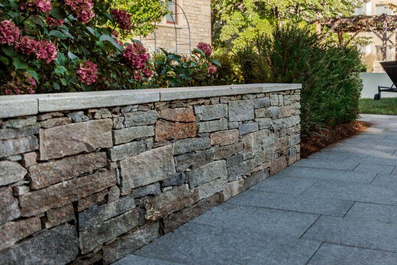 Natursteinmauer Trockenmauer Mauerbau Gartenbau