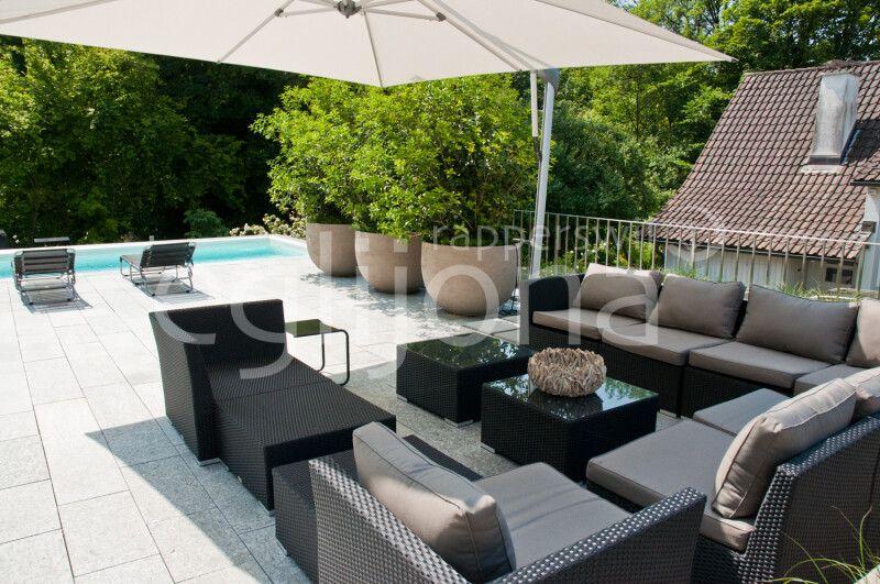 Sitzplatz auf Terrasse mit Lounge