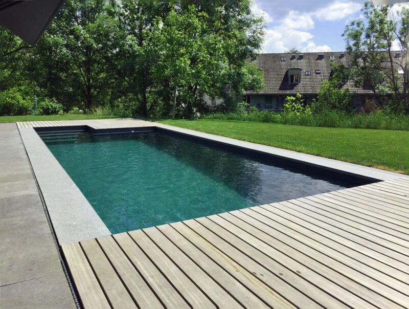 Swimming-Pool mit Fertigbecken