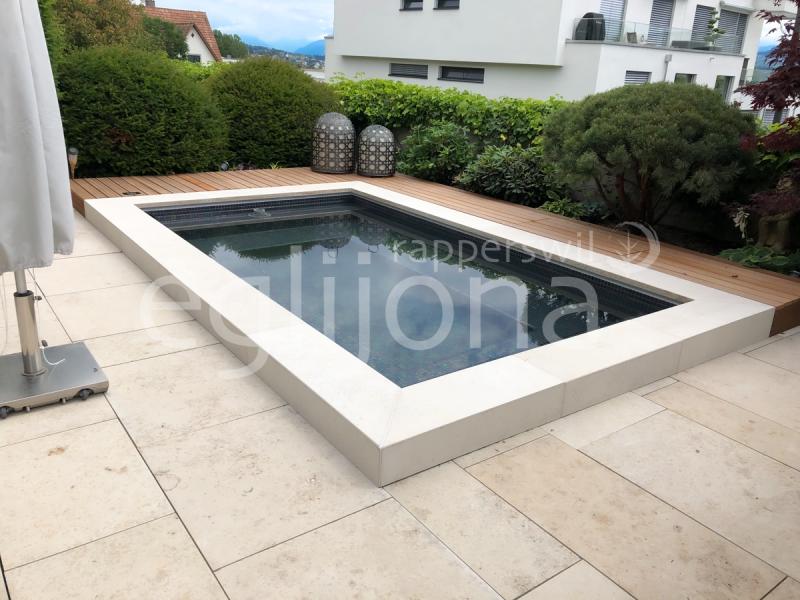 Bau eines eleganten C-Side Pools, rechtes Seeufer