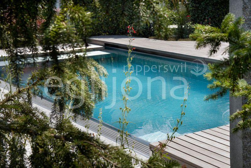 Swimming-Pool mit Edelstahlbecken